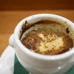 ル ピニョン - ゴロゴロお肉のオニオングラタンスープ