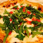 50629899 - シラウオとトマトとルッコラのピザ