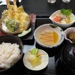 四季の食事処 ふく富 - 料理写真:天ぷら御膳(1360円)