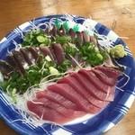 田中鮮魚店 - カツオタタキ&刺身 これで1200円ぐらだったかな・・・めちゃ安っ♬
