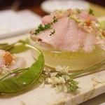トラットリア テンポ ドーロ - 伊豆駿河湾・相模湾直送!地魚鮮魚のTスタイルカルパッチョ