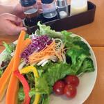 つかさ - 野菜の酢漬けが乗ったサラダ 特製ドレッシングで*\(^o^)/*