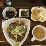 新潟バル 醸造屋 - 特選ステーキ丼1000円