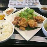 極鶏.Bar - 極鶏定食 700円