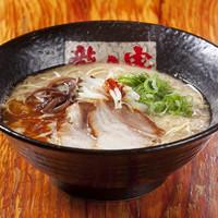 ラーメン龍の家 - とんこつ こく味780円