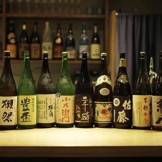 全国の日本酒をご用意。季節ごとに入れ替わるラインナップも魅力