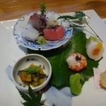 鉄板焼なか乃 - 前菜・・旬の魚や季節の野菜を使用し、素材の味を生かして丁寧に仕上げた品々。