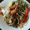 レストラン ジュラ - 料理写真:エビフライと焼肉