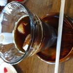 おきな堂 - アイスコーヒー500円。デザートとセットにすると、750円でデザートとコーヒーがいただけます。