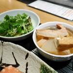 50679742 - 三つ葉とわさび菜のサラダ・豚とろ大根煮