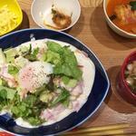 チャワン - 温玉カルボナーラ炒飯とトマトロールキャベツ