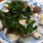 丸亀製麺 - 殻に入ったアサリがたくさん