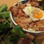 魚沼釜蔵総本店 - 料理写真:魚沼コシヒカリ・もちぶた・魚沼わさびを使った100%地元の食材を使った「もち豚わさび丼」です。