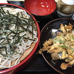 布袋庵 - しらすと野菜のかき揚げ天ぷらそばです