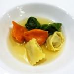 レストラン ピウ - 3色のアニョロッティーニ cucchiaino風