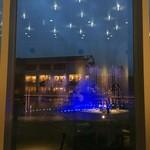 フェニーチェ - 噴水ショー 外で見た方が綺麗だった。けれど、レストランの中でお食事しながらも、いい感じ。