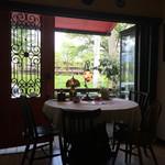 自家焙煎珈琲豆工房 ほの香 - 窓側の席の特権!新緑がとっても綺麗♪