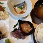 すし・魚処 のへそ - 日替り定食 1080円☆☆ こちらに前菜付き!