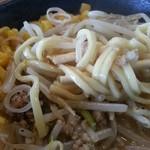 50702382 - 麺はチャンポン麺の様なツルツルの中太麺
