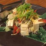 ちぬまん - 島豆腐のサラダ