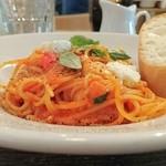 テイストアンドセンス - 日替わりパスタ  モッツァレラとトマトソース