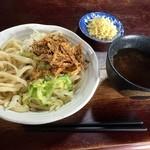 50708965 - 肉うどん(冷)大盛り+天ぷらトッピング