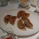 チャイナ - 豚肉とアワビソース入り焼き餃子