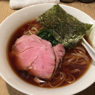 菜 - 料理写真:醤油らーめん(750円)