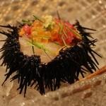 鯛良 - ■〆のスペシャル:贅沢寄せ(マグロ、黄金イクラ、富山産白エビ、青森産紫雲丹)