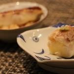 鯛良 - ■ノドグロの一皿:ノドグロの西京焼と蒲鉾