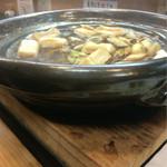天然すっぽん料理  鱧料理 季節料理 万両 - コンロを使わずとも沸騰する。それは時間をかけて鉄鍋を熱してるから。それも分かるように写真撮れ!と言われた(笑)
