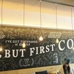 コーヒー&ジェラート ザ カップス - 2階の黒板描きチョークボーイのアート