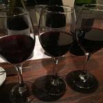 真夜中のバル - 赤ワイン3種いっぺんに。
