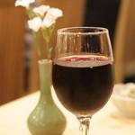 炭火焼鳥 榊 - グラス赤  甘めです・・・・