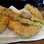 かみもっちうどん - 天ぷら5種
