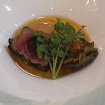 トゥ・ラ・ジョア - 土佐赤牛と活鮑の一皿