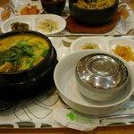 韓国料理 ドントン - カムジャタン定食(ジャガイモと骨付き豚肉の鍋) 850円