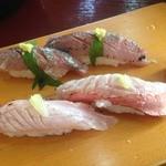 瀬浜寿司 堂ヶ島 - 金目鯛炙りにぎりと鯵にぎり