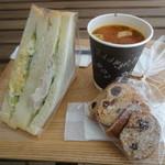 馬場FLAT - サンドイッチ+ミネストローネ+ラスク 1605