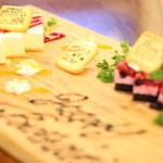 NEO DINING. - 記念日デザートプレートのお写真です。