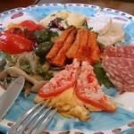 ピッツェリア キアッキェローネ - 前菜の盛り合わせ♪