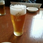 横浜大飯店 - まずは生ビール。エビスビールなのは嬉しい。