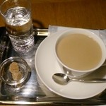 モンタージュ - ホットミルクコーヒー