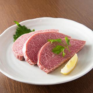 国産最高級のお肉を上本町だからこそのリーズナブルな価格で