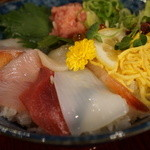 生け簀の甲羅 - 海鮮丼980円
