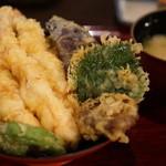 生け簀の甲羅 - エビ天丼1280円