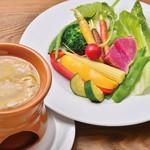 Cafe&Restaurant Gru - 季節野菜のバーニャカウダ