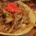 沖縄家庭料理 残波の風 - ぶたどん@¥700