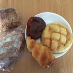 パンの家 - 料理写真:たくさん買いました