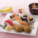 八久茂寿司 - お昼のランチ 900円
